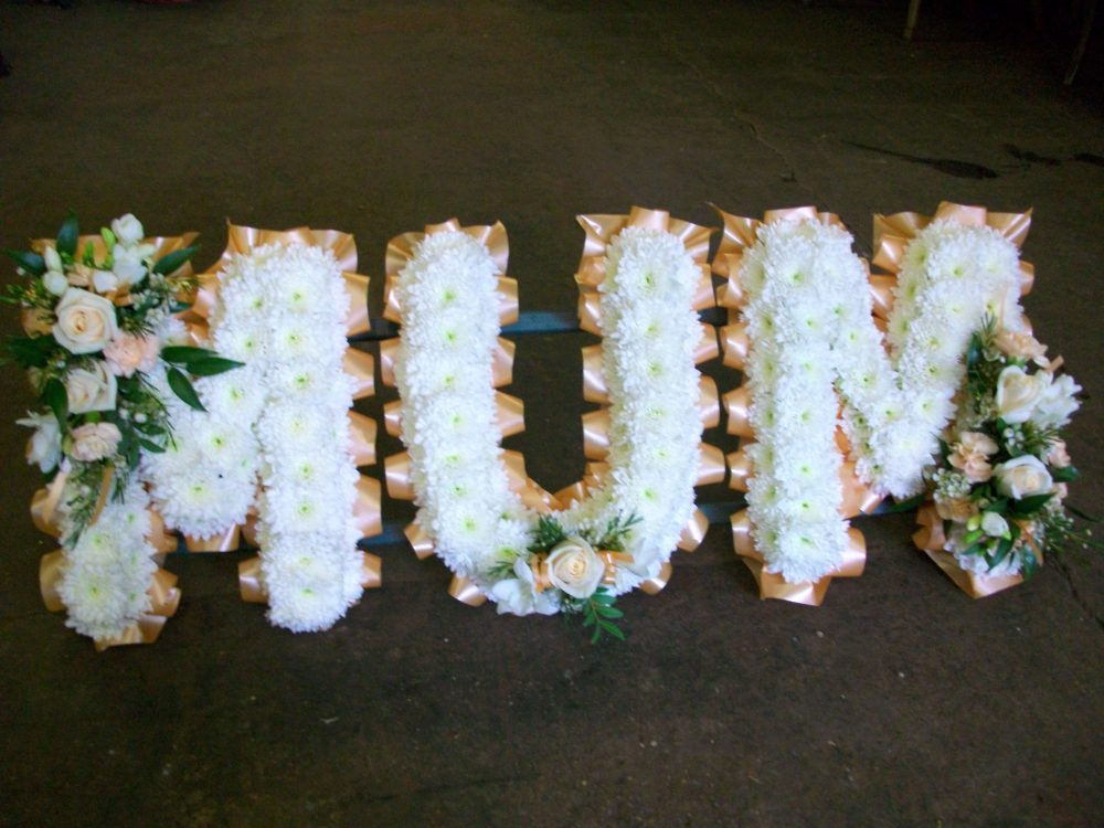 Mum tribute floral arrangement